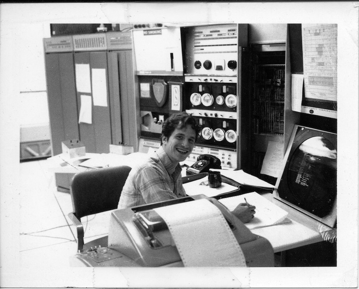 jm046 Gerald J Sussman at PDP-6 and 340 Display